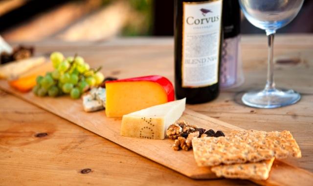 Corvus & Peynir küreği