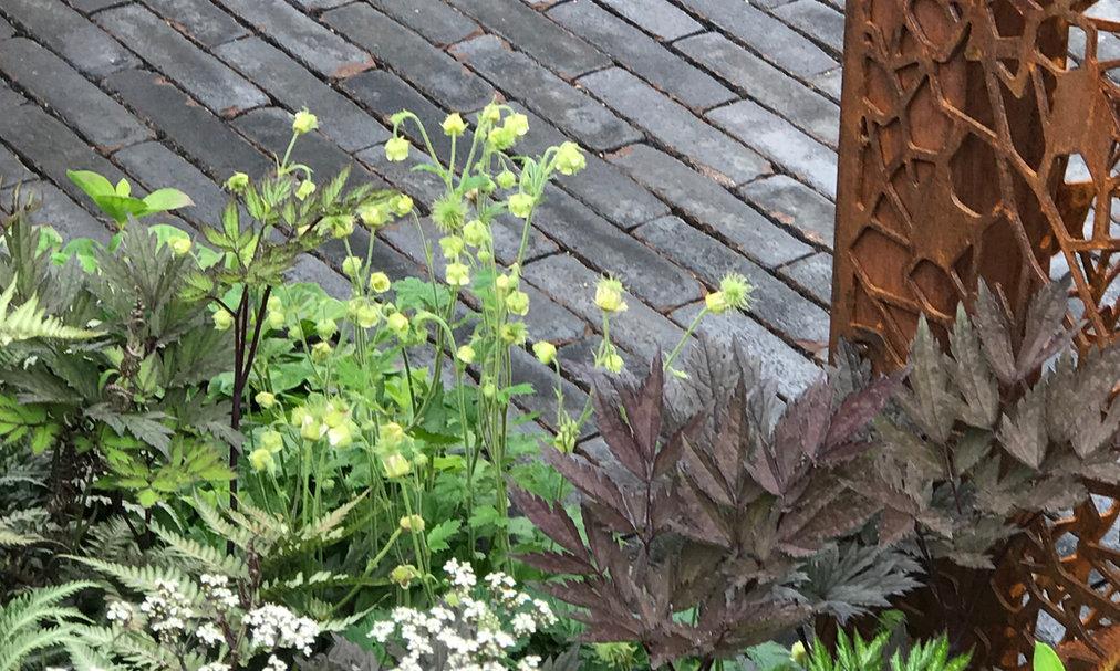 Texturen in der Gartengestaltung, Klinker, Stahl, Stauden, Gartenarchitektur, Gartendesign