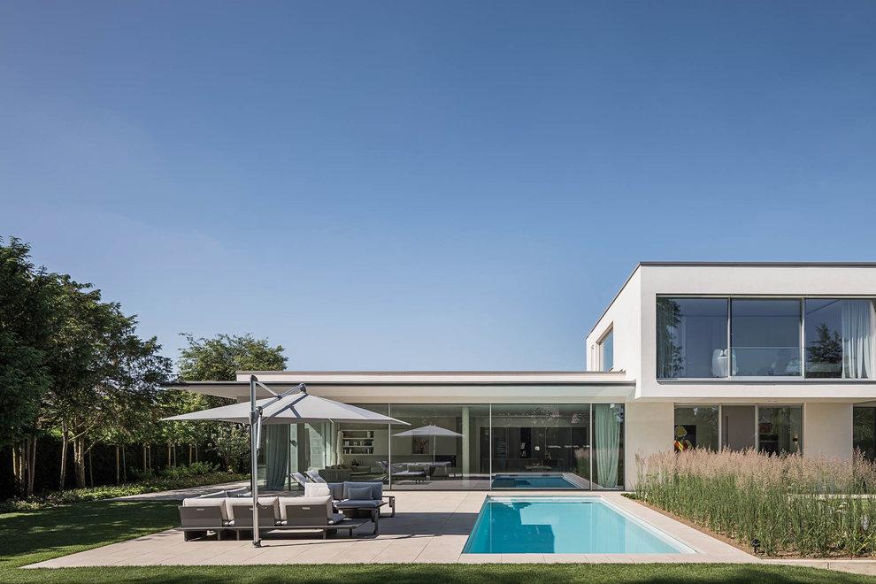 moderner Pool, elegantes Gartendesign, Gartenplanung, Gartenideen