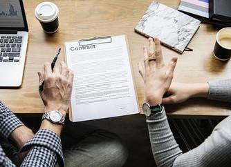 По каким договорам передавать авторские права?