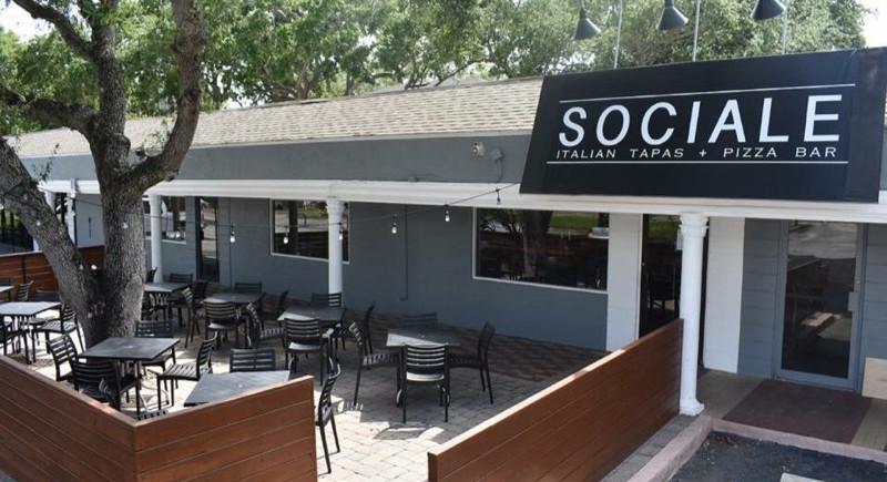 Sociale Restaurant Patio