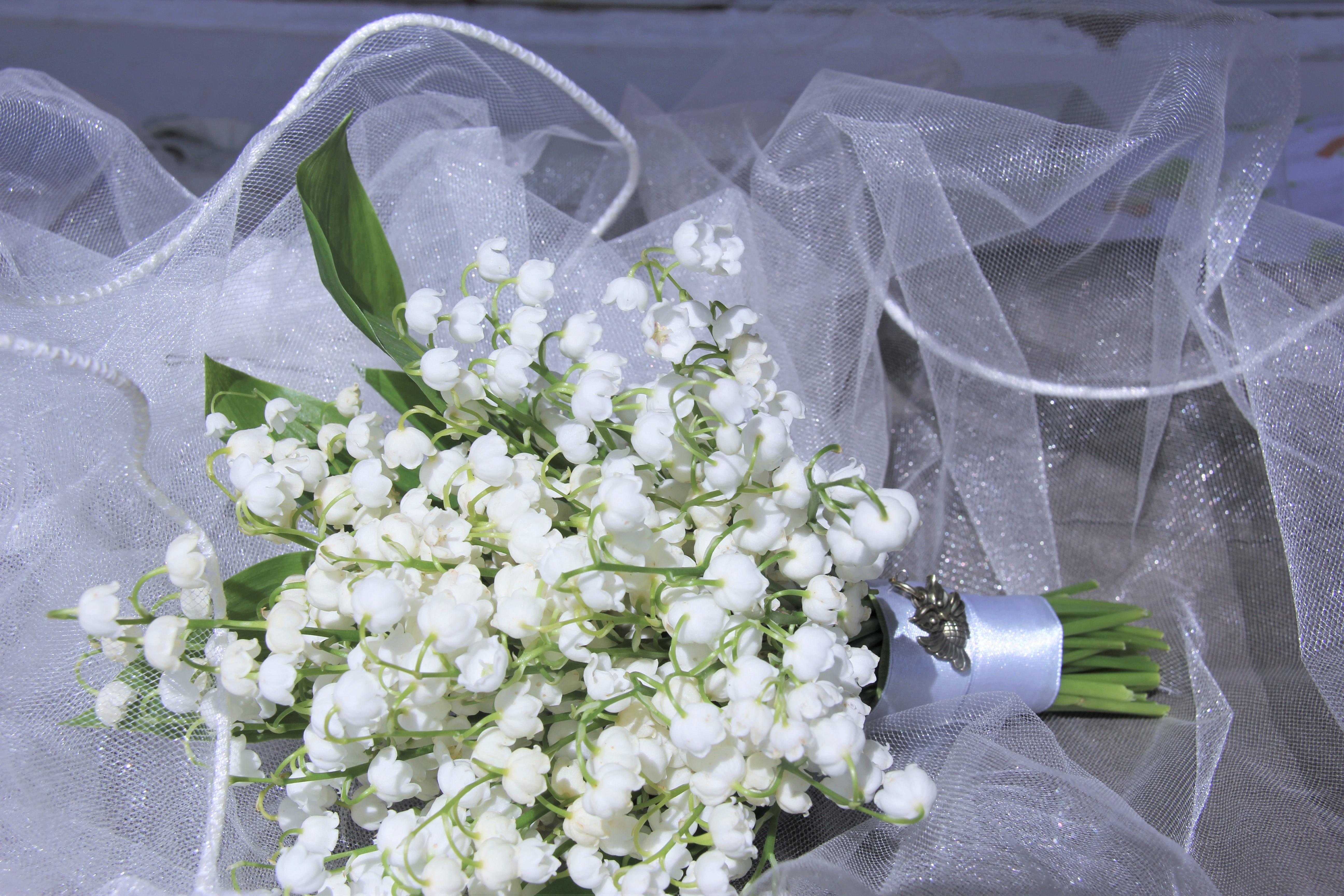Букет невесты из ландышей в Москве