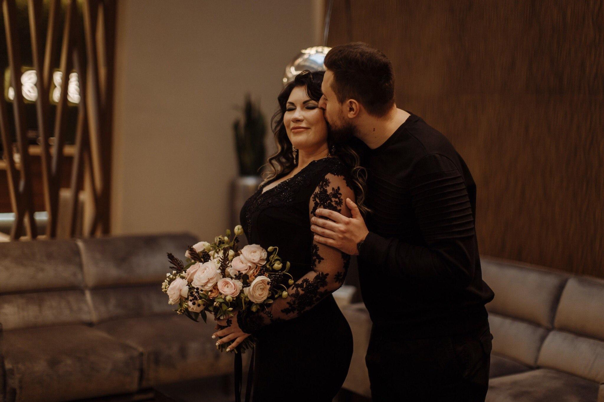 Свадьба в черных тонах