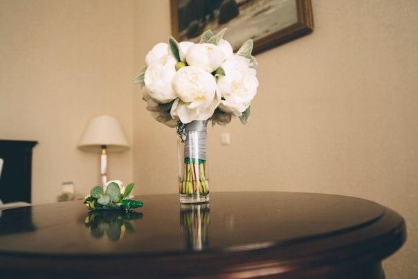 Букет невесты нежный из пионов Москв