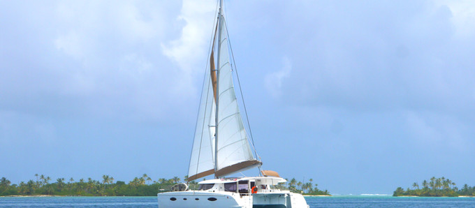 Top 5 Reasons for Choosing a Catamaran Instead of a Monohull for Your Next Sailing Holidays