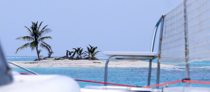Catamaran Or Monohull, Which Is Best For Sailing The Caribbean?