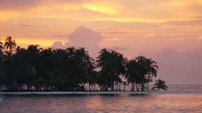 Does Air Panama fly to the San Blas Islands?