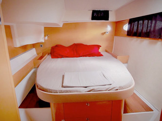 Should I sail San Blas on a catamaran or book a land-based hotel?