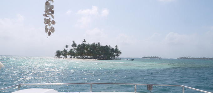 5 Reasons for Spending your Next Christmas Holidays Sailing the San Blas Islands