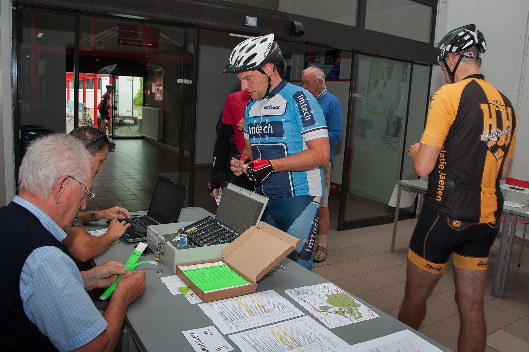 ie-net fietsen en wandelen tegen kanker 2017 (1)
