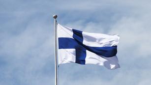 the-finnish-flag-832493416-5c7550124cedf
