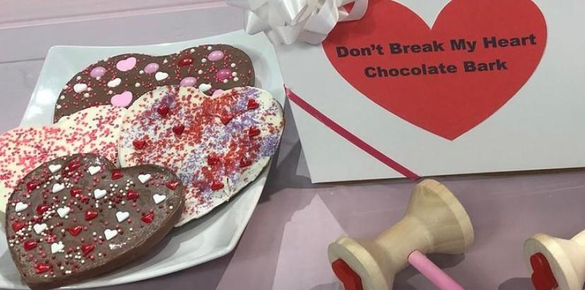 DIY Valentine's Day Chocolate Break Bark!