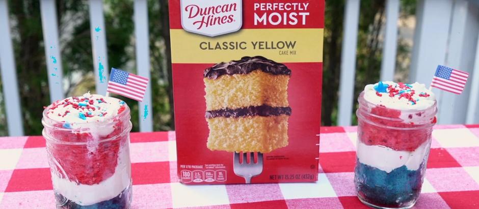 Patriotic Cake In A Jar!