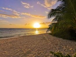 """""""Coucher de soleil sur la plage de Bois-Jolan"""""""