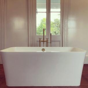 MAIN HOUSE | MASTER BATH