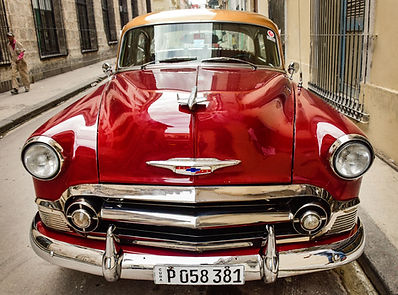 photographing vintage cars in havana
