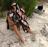 fashion shooting...tati hiding from sun