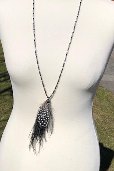 collier sautoir plume