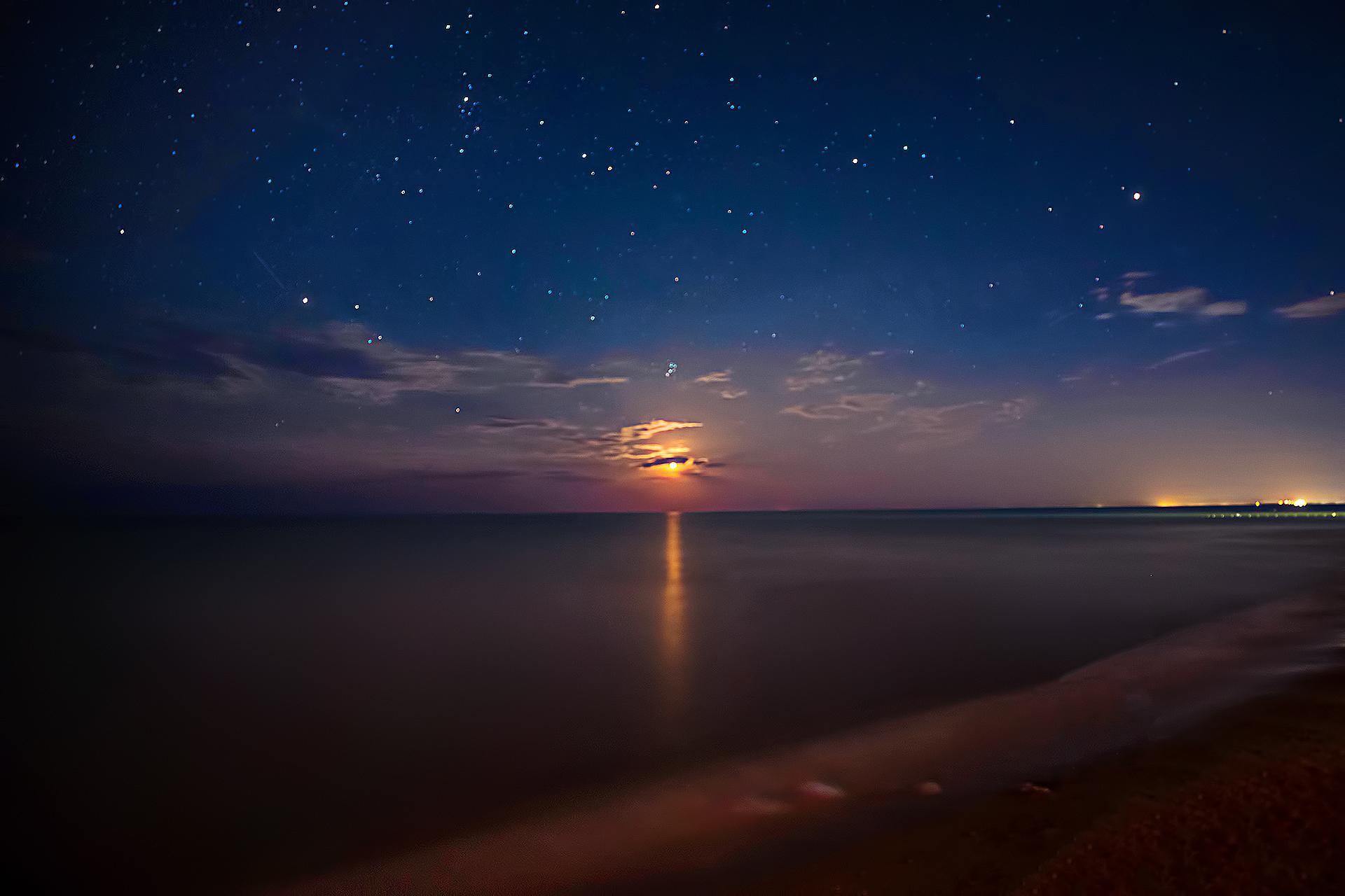 Азовское море. Луна.