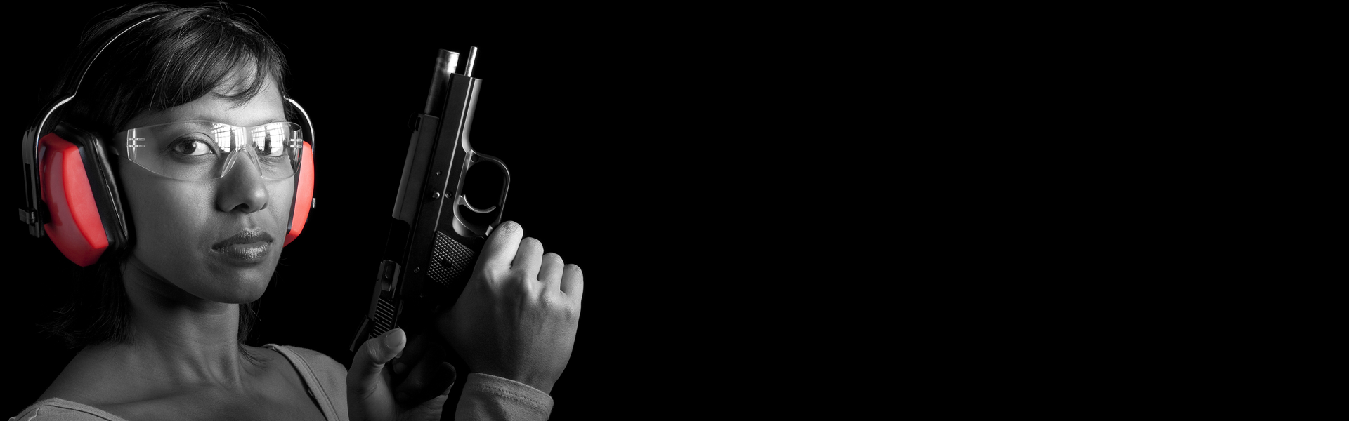 woman-with-gun.png