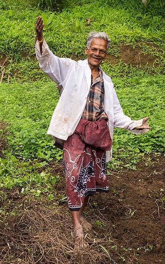 spice_farmer_srilanka.jpeg