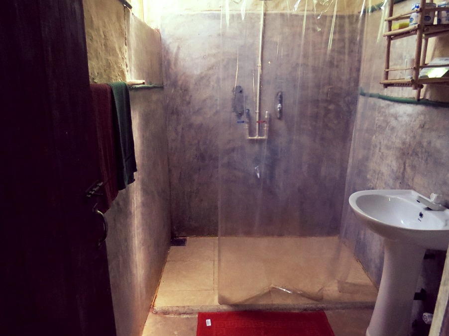Bathroom of the Budget Hut