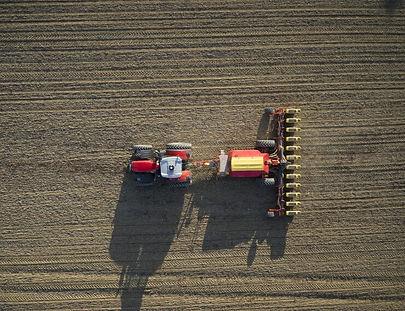 tractor-massey-ferguson-8700S-Series-vaderstad