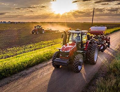tractor-massey-ferguson-8700S-Series-panorama-cab
