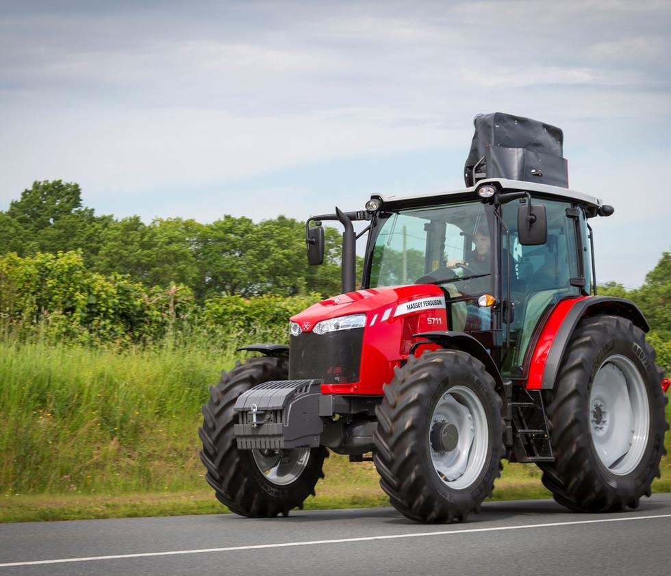 NA-AGCO-Massey-Ferguson-MF5711D-tractor-0628191.jpg