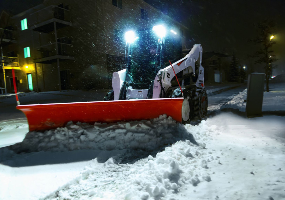 bobcat-s740-snowblade-64a0663-15s1-f.jpg