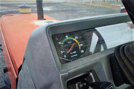 Tracteur Massey Ferguson modele 3120, 1990