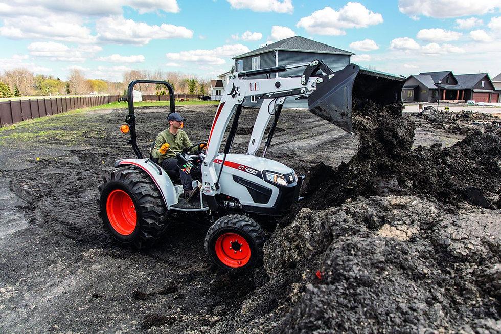 compact-tractor-bobcat-loader