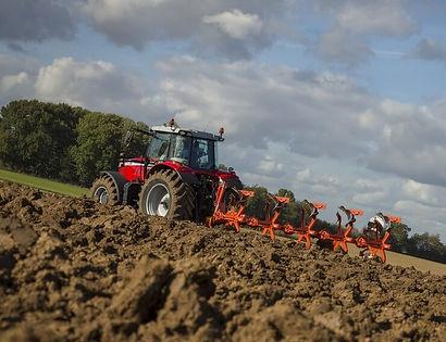 tractor-massey-ferguson-7700S-Series-plow