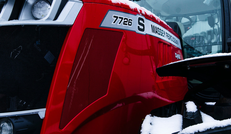 MF Snow-Tractor-Beauvais-Fr-0119-53661_167811.jpg