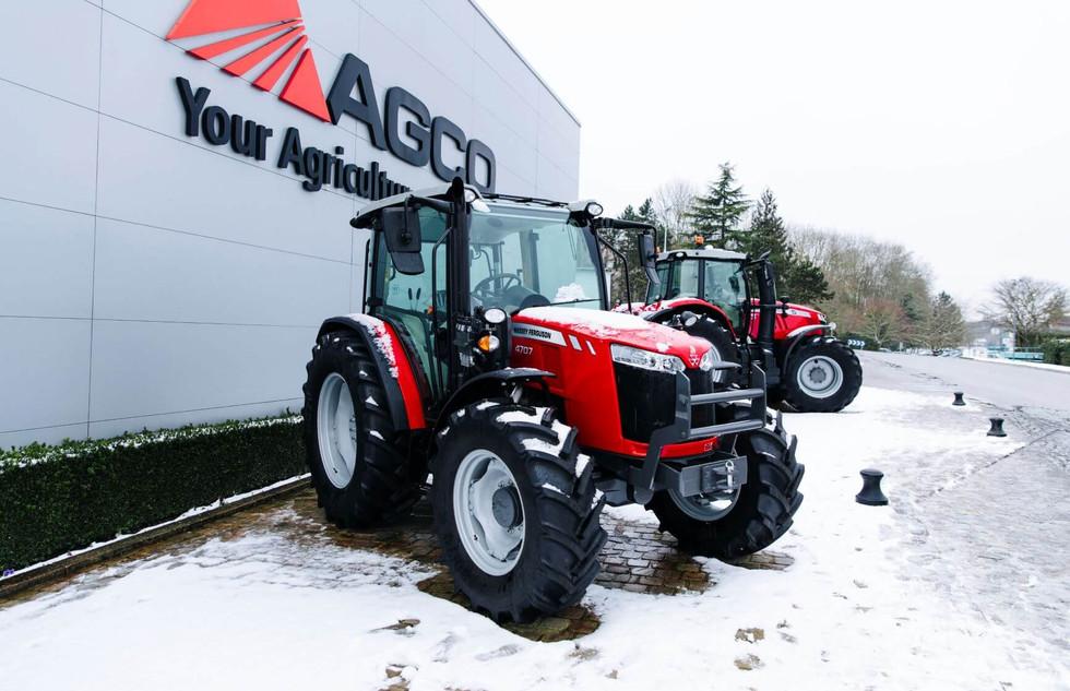 MF Snow-Tractor-Beauvais-Fr-0119-53722_167838 (1).jpg