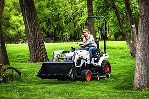 bobcat-ct1025-mid-mount-mower-tf0a5603-20i6-fc.jpg