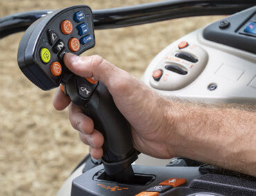 tractor-massey-ferguson-7700S-Series-isobus