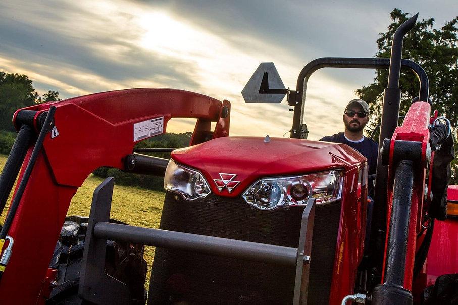 tractor-massey-ferguson-utility-series