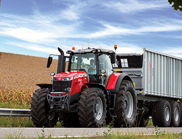 tractor-massey-ferguson-8700S-wagon