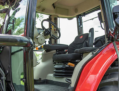 tractor-massey-ferguson-7700S-Series-cab-interior