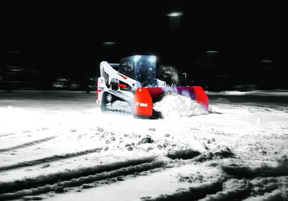 bobcat-t740-snowpusher-64a0166-15s2-f-bc.jpg