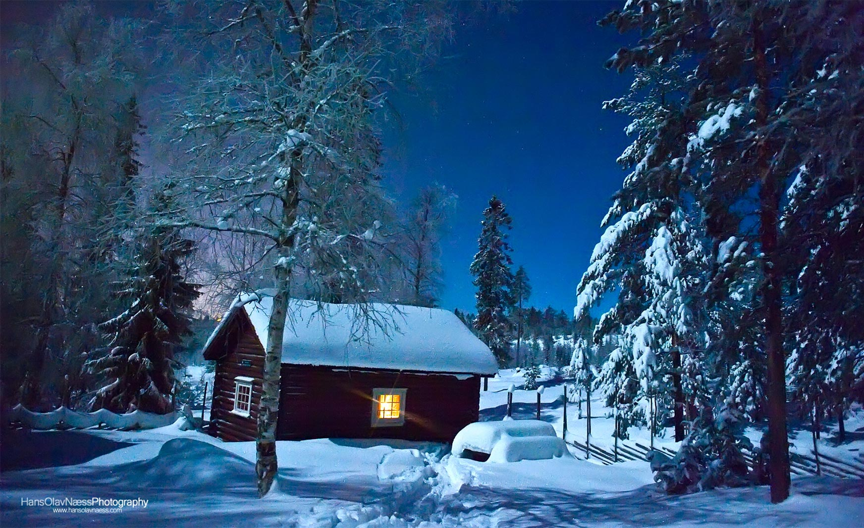 Winter_cottage_www.hansolavnaess.com