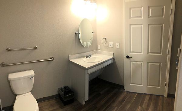 Room- Bathroom 2.jpg