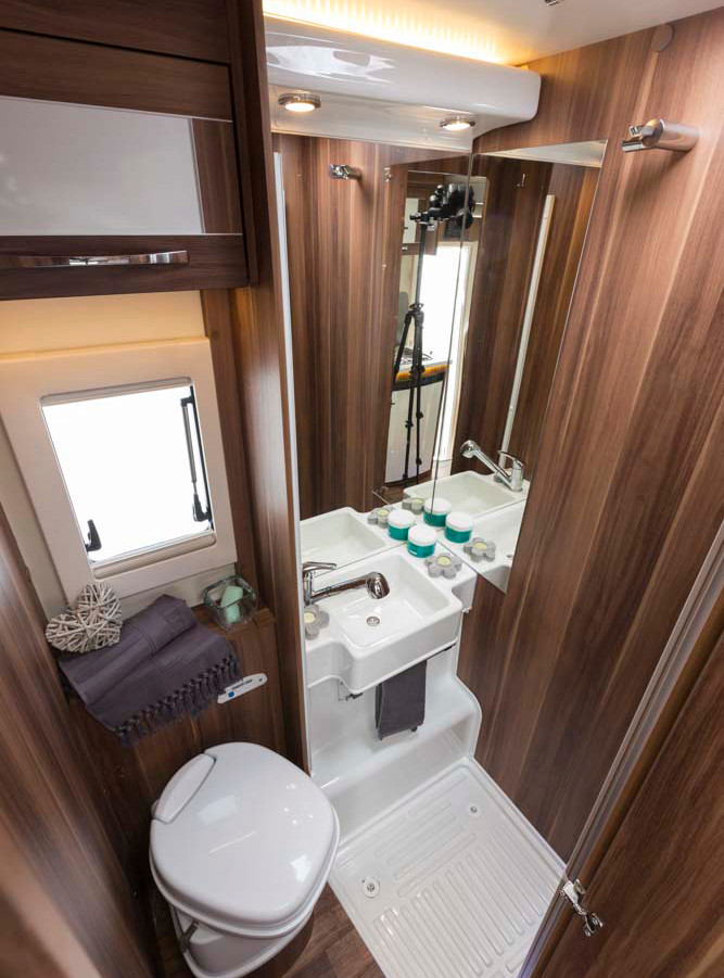 Auto-Roller 747 washroom and shower.jpg