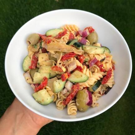 10 Minute Mediterranean Pasta Salad