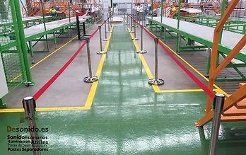 Alquiler de postes separadores para inaguracion de fabrica en Cordoba