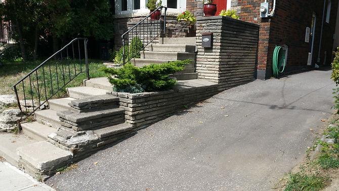 Concrete steps, InTERLOCK