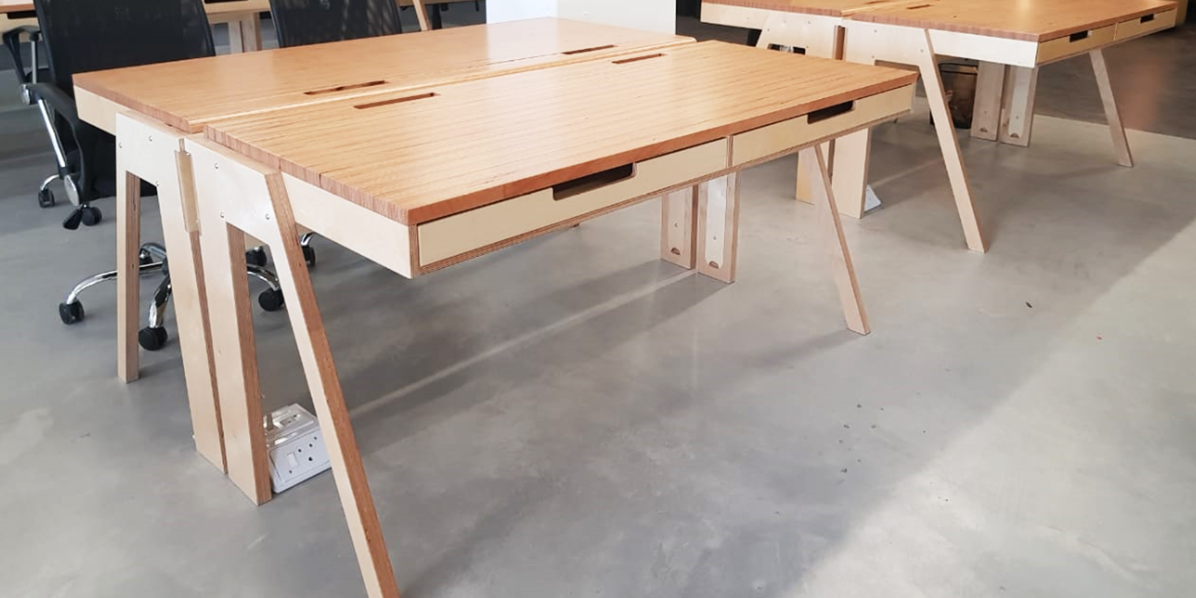 fbs - double startup desk, 1600 l x 720