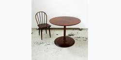 sepal table, 900 dia x 740 h, kiaat 2