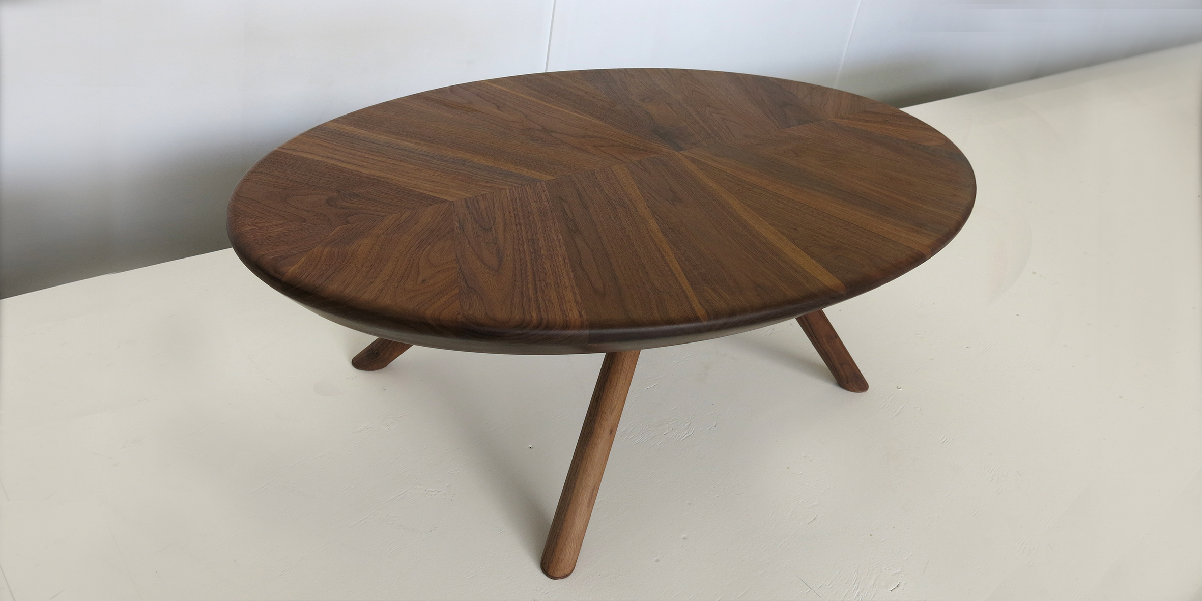 ovate table, 1400 l x 700 w x 400 h, jarrah